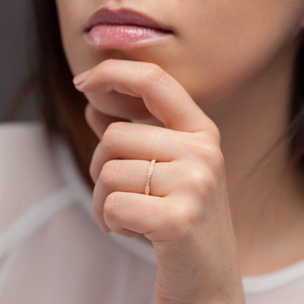 Bague L'Éternelle 2 mm en or rose 18k et diamants avec visage