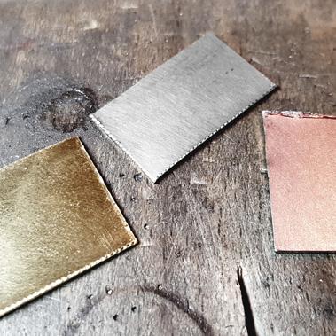 Couleurs de l'or : gris, rose et jaune