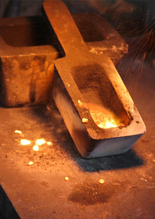 Fonte d'or recyclé 18k pour des bijoux
